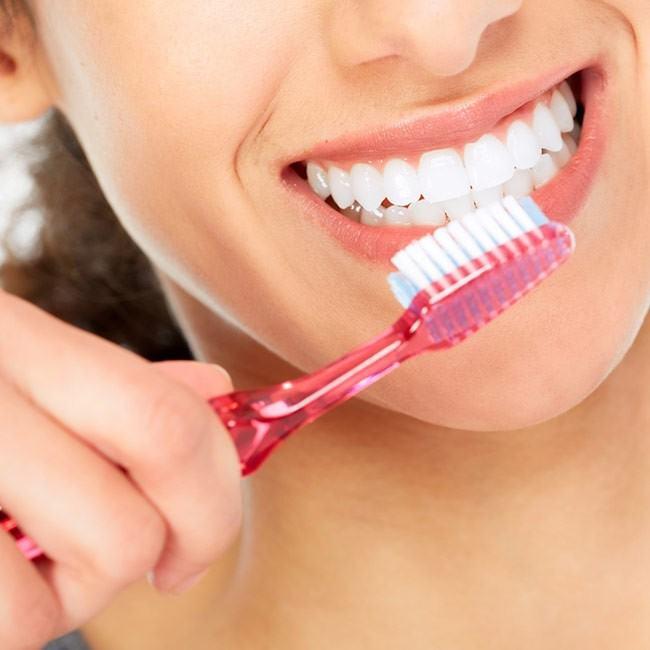 Spis dig til hvide tænder
