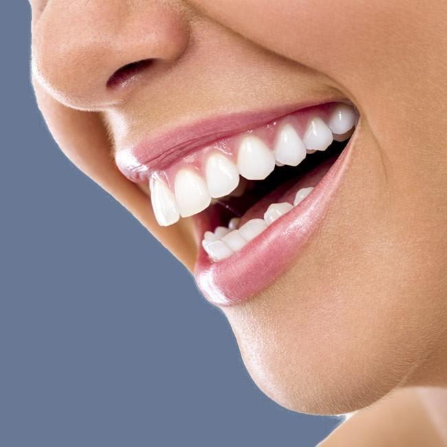 Sådan kan du blege dine tænder hjemme