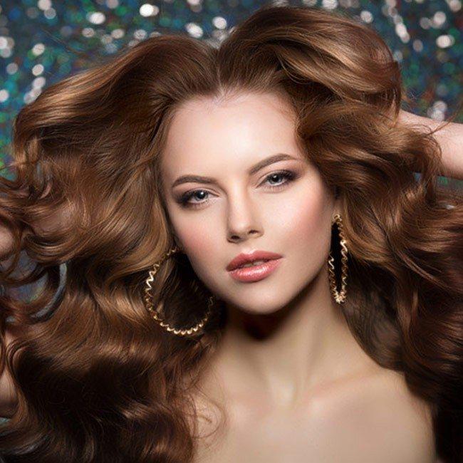 Sådan vælger du den bedste shampoo til hårstimulering