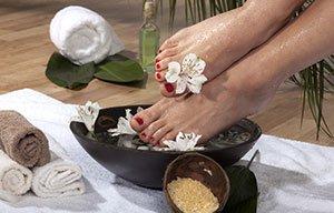 3 Bad fødderne i olivenolie